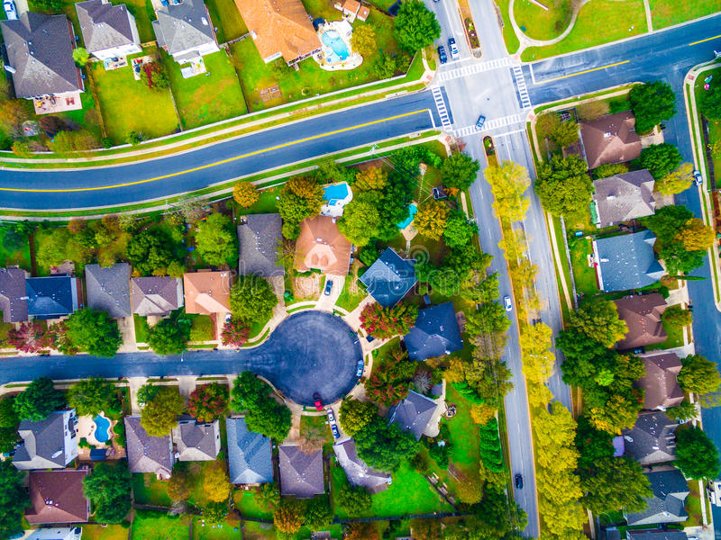 Boven Kruising en Impasse in Buurt In de voorsteden buiten Austin Texas Aerial View royalty-vrije stock afbeelding