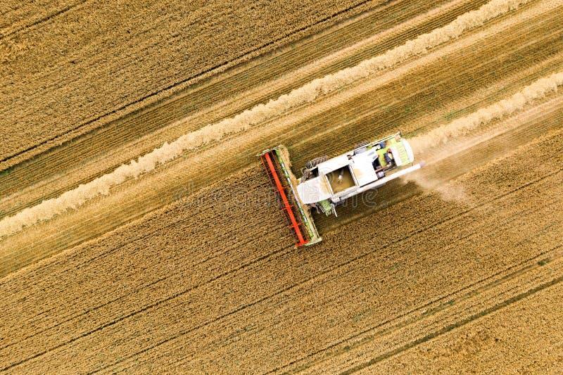 Bovenaanzicht van Harvester-machine royalty-vrije stock foto's