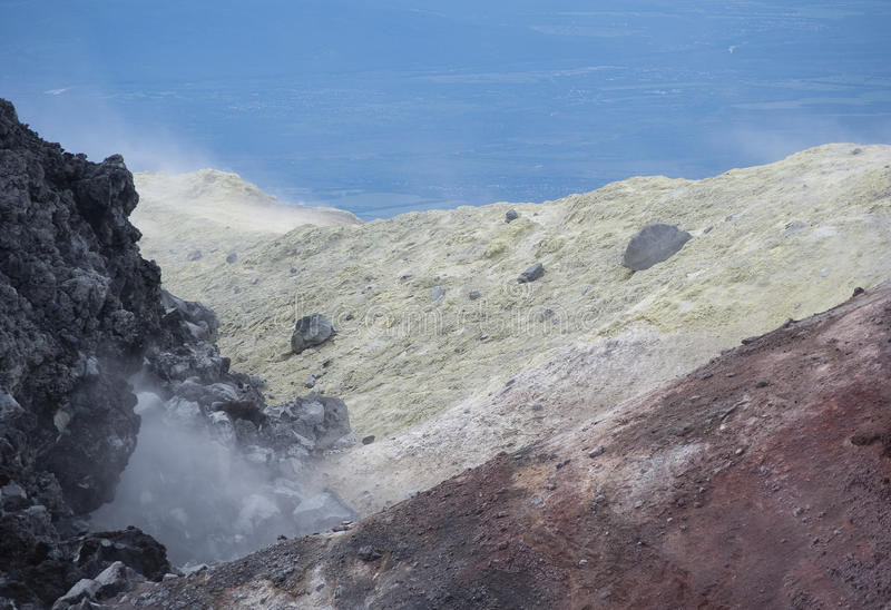 bovenkant van Avacha-Vulkaan stock fotografie