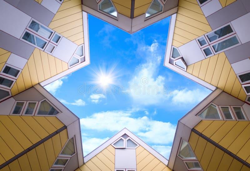Bovenkant van de kubieke huizen in Rotterdam stock afbeelding