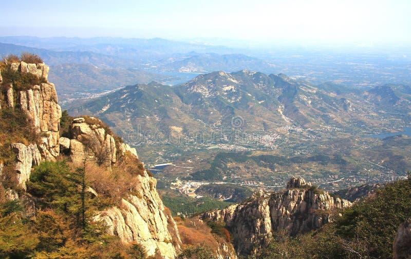 Bovenkant van de taishan berg stock foto's