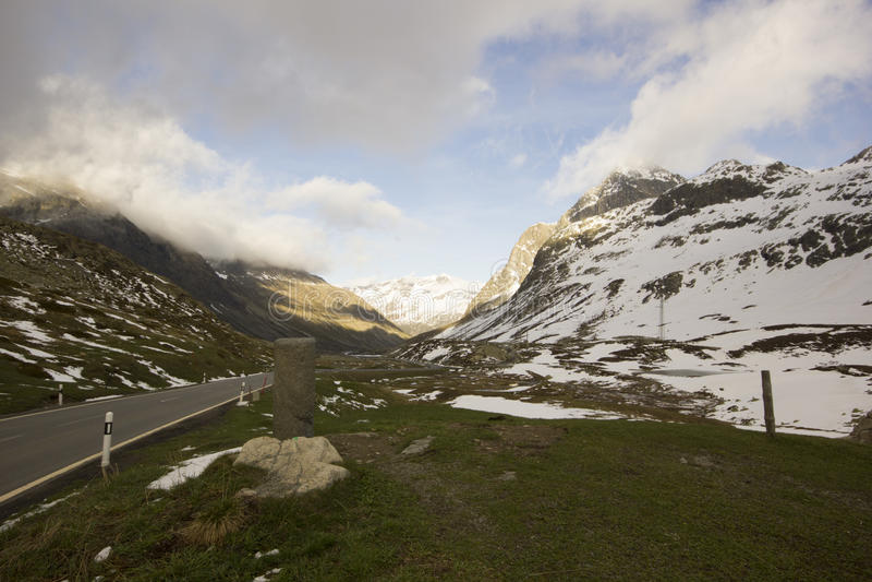 Bovenkant van Julier Pass met roman kolom royalty-vrije stock foto's