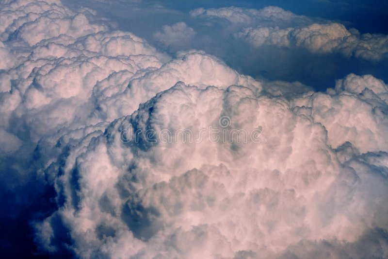 Bovenkant van torenhoge Cumulus royalty-vrije stock foto