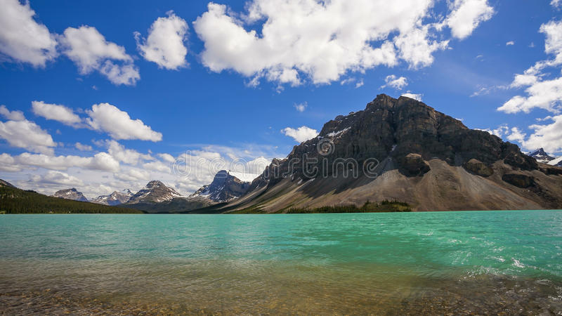 Bow Lake and Crowfoot Mountain, in Banff National Park royalty free stock image