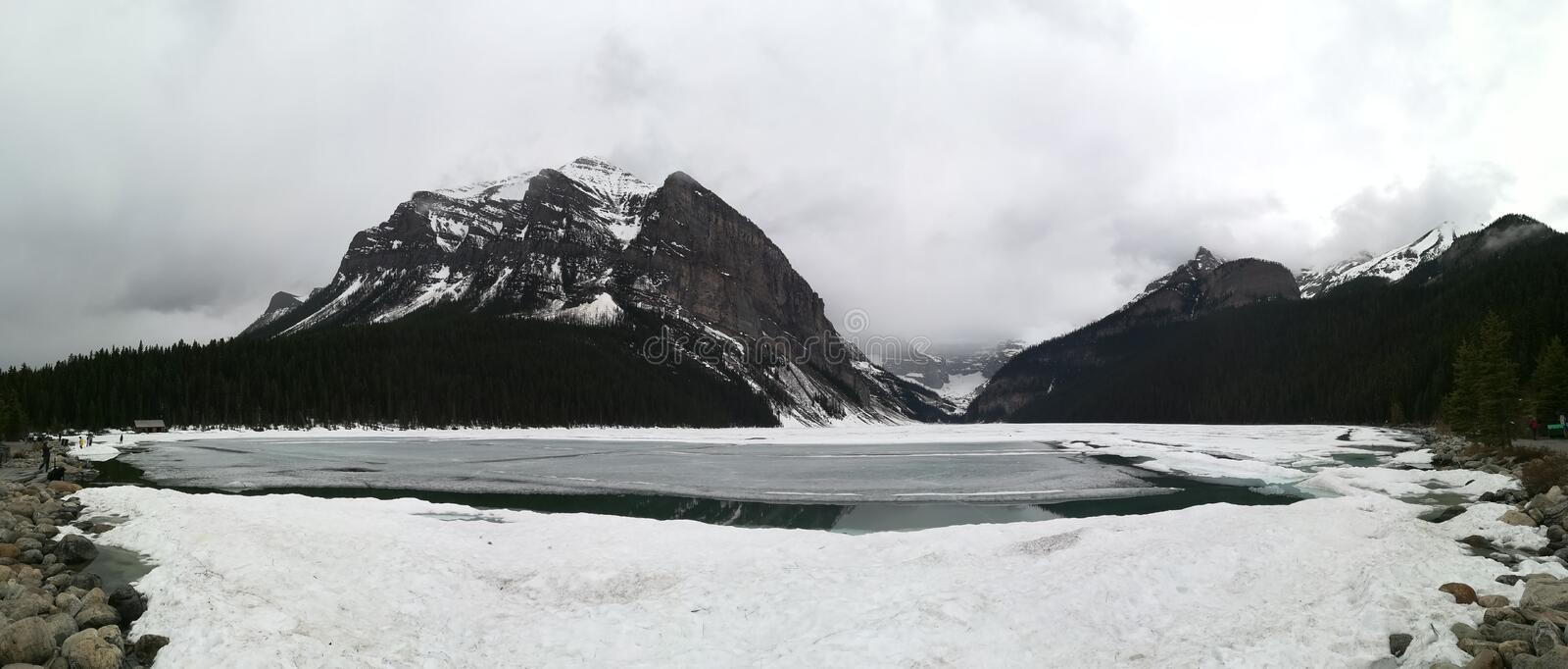 Bow Lake. In the snow at Banff Nationalpark stock photos