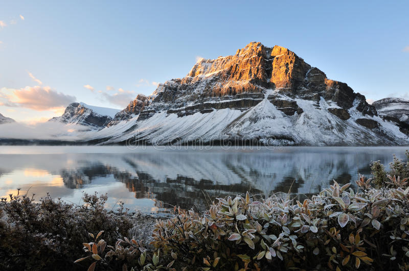 Bow Lake sunrise, Banff National Park stock image