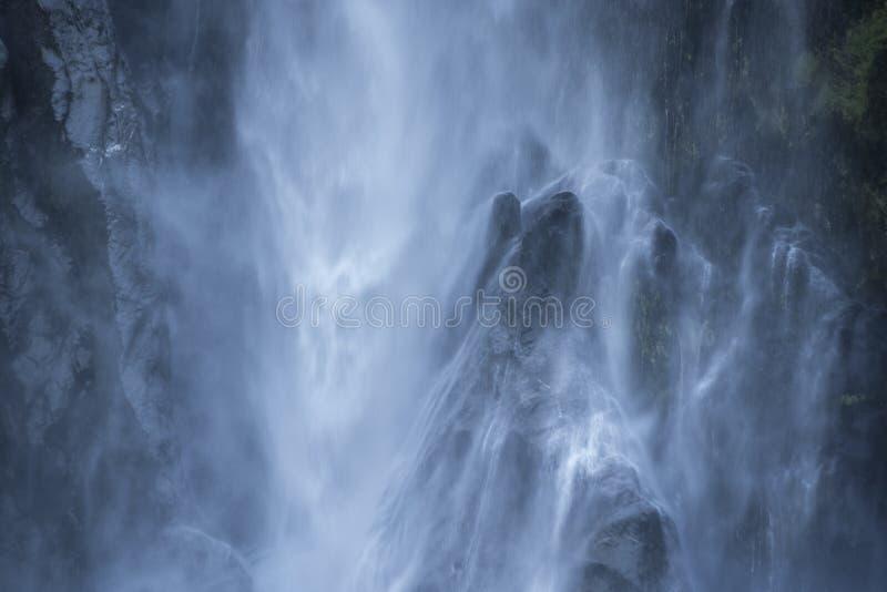 Bowendalingen, aardige waterval bij milfordgeluid royalty-vrije stock fotografie