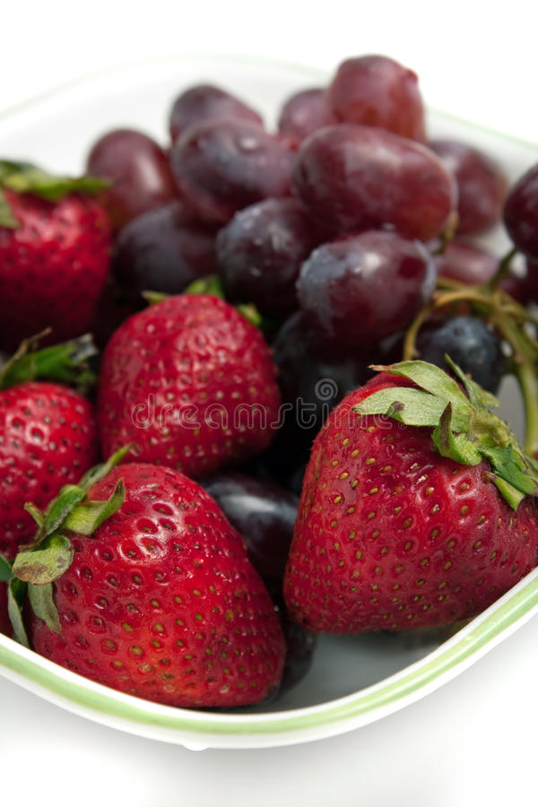 Download Bowl Of Red Berries Royalty Free Stock Images - Image: 14376809