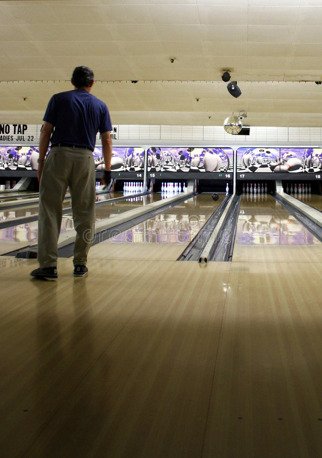 Download Bowler stock image. Image of bowling, ball, team, alley - 184641