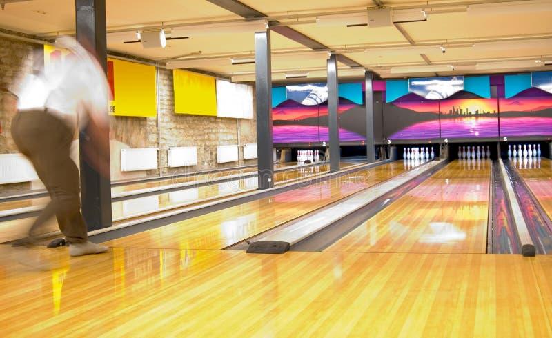 Download Bowling photo stock. Image du homme, moderne, récréation - 92180