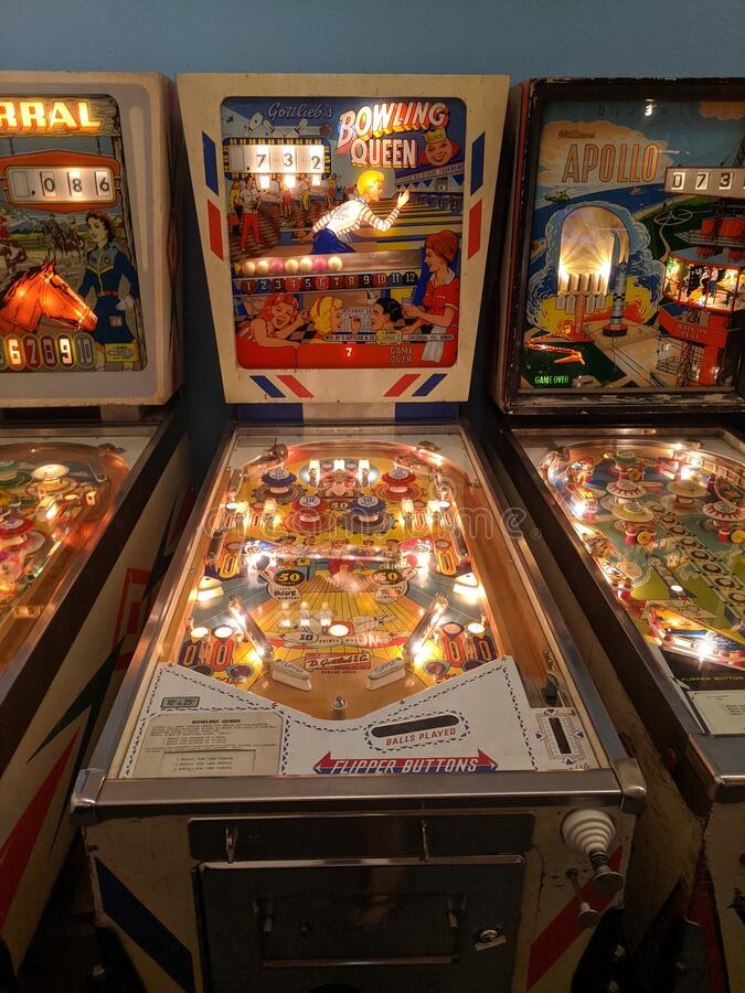 Free Bowling Queen Pinball Game Flanked By Corral And Apollo Royalty Free Stock Image - 186429726