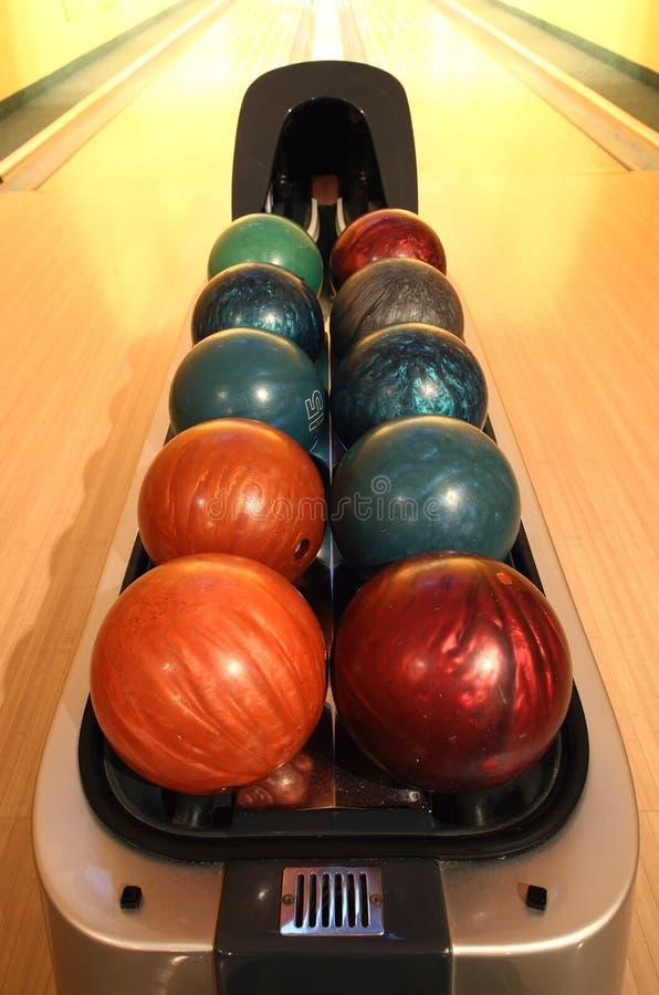 Bowlingspielkugeln lizenzfreies stockbild