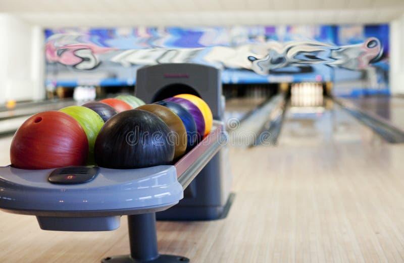 Bowlingspielweg lizenzfreies stockbild