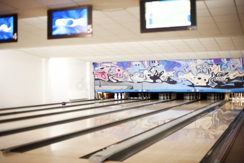 Bowlingspielweg lizenzfreie stockfotografie
