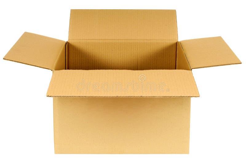 Boxas den öppna kartongen för slättbruntmellanrumet som isoleras på vit bakgrund royaltyfri fotografi