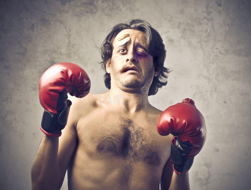 Boxeador batido imagen de archivo