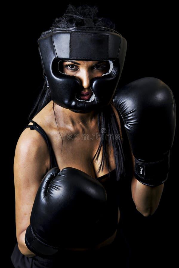 Boxeador de la hembra del indio imagen de archivo libre de regalías