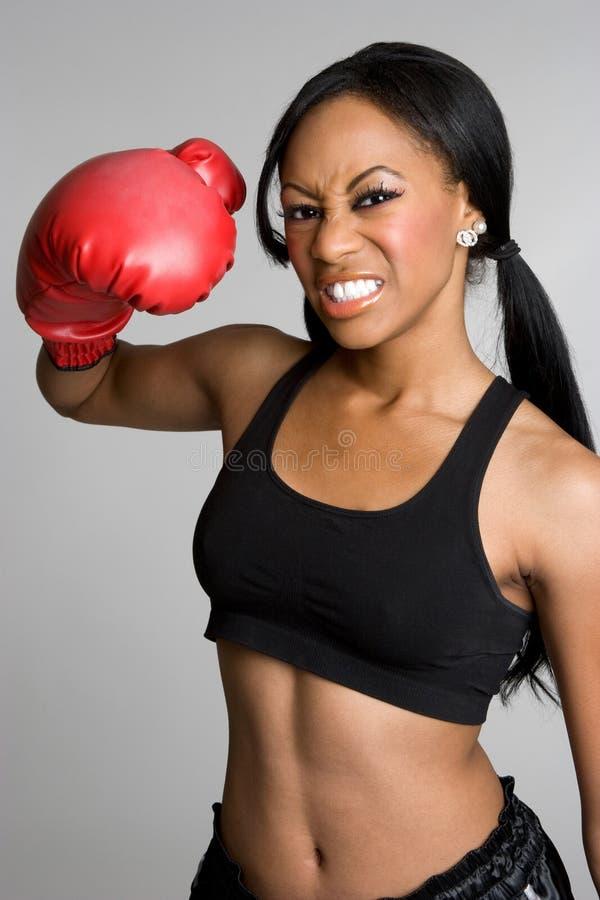 Boxeador de la mujer negra imagen de archivo libre de regalías