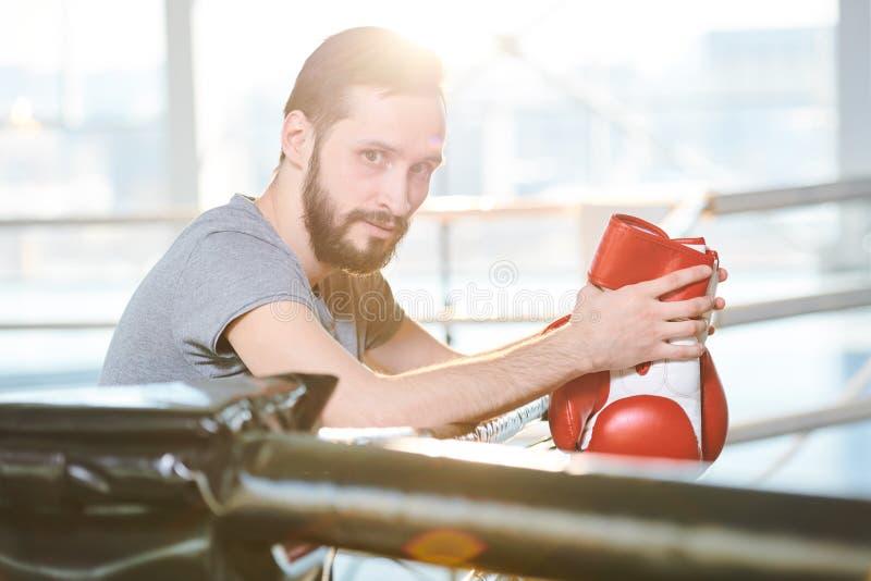 Boxeador joven imagen de archivo libre de regalías