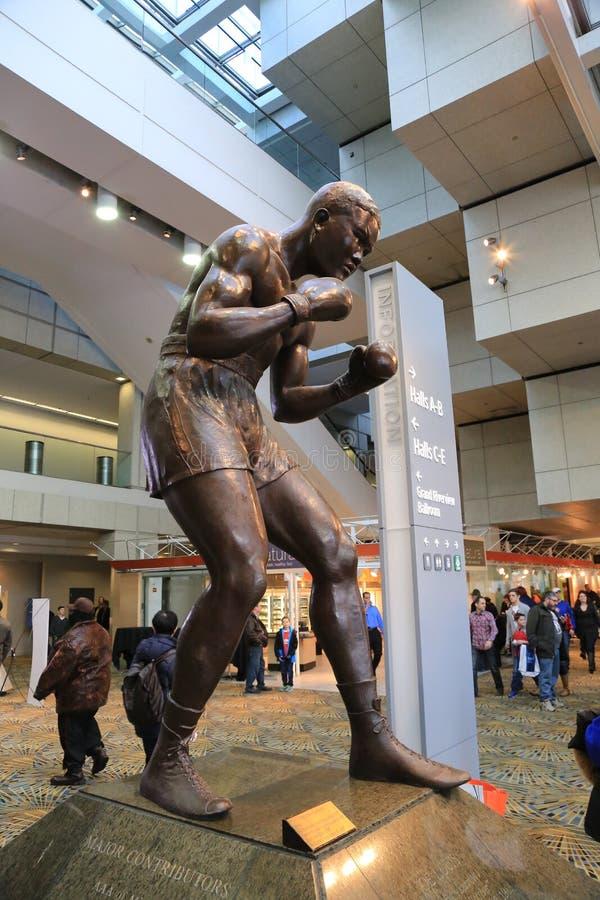 Boxeador profesional Joe Louis Sculpture fotos de archivo