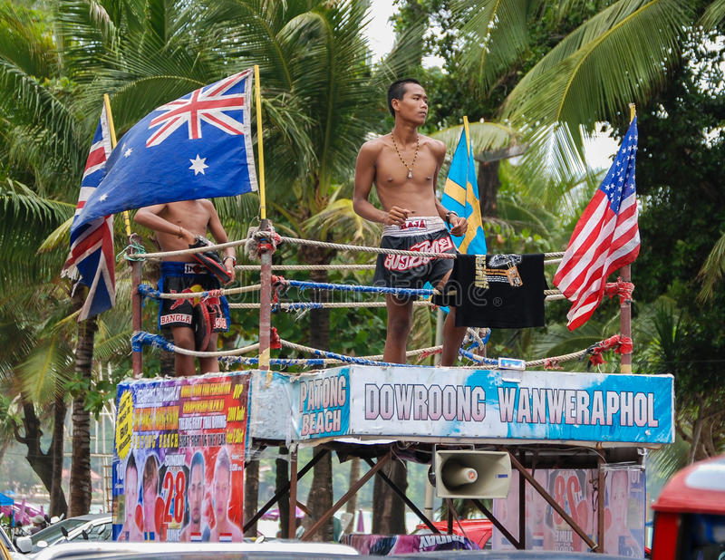 Boxeadores tailandeses del retroceso imagenes de archivo