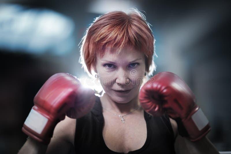 Boxeo de la mujer imagen de archivo libre de regalías