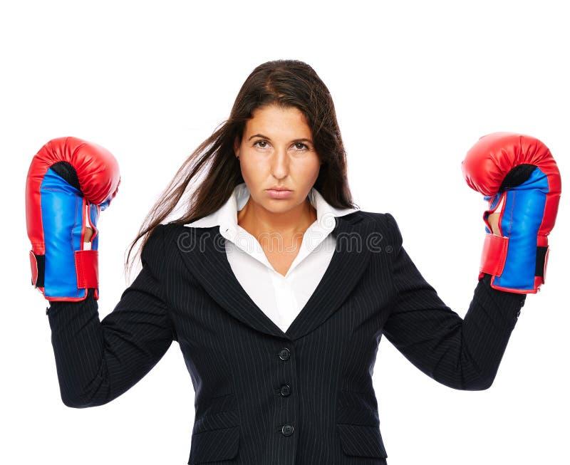 Boxeo enojado de la mujer de negocios fotos de archivo