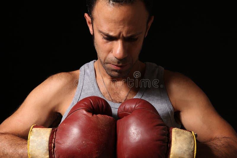 Boxeur déterminé photographie stock libre de droits