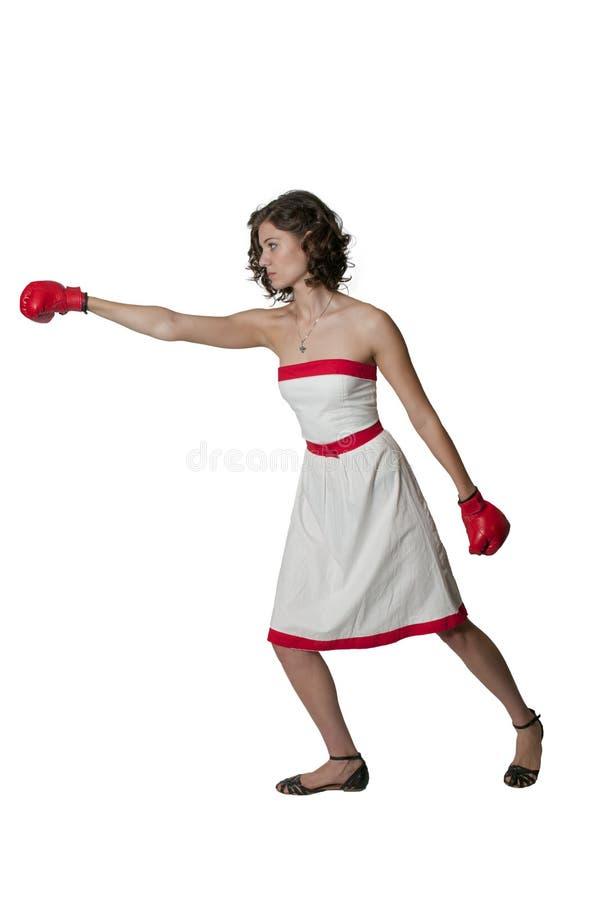 Boxeur de femme dans la robe rouge et blanche photographie stock