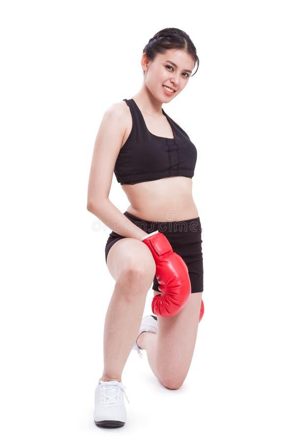 Boxeur - gants de boxe s'usants de boxe de femme de forme physique photos stock