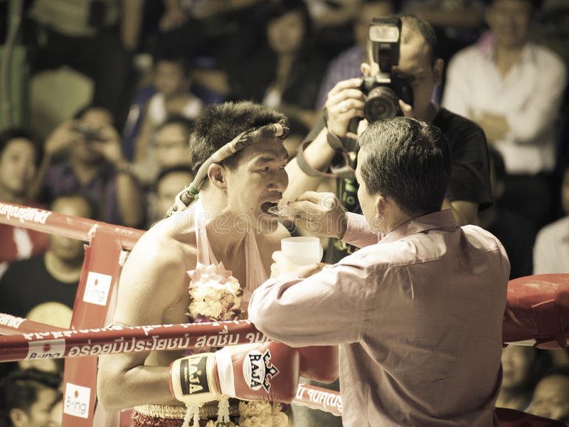Boxing Muay Thai Charity. BANGKOK, THAILAND- OCTOBER 04 : Unidentified boxers compete in Thai Fight: Muay Thai Charity on October 04, 2012 at Rajadamnern Stadium stock image