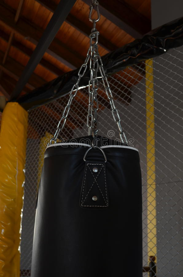 Boxningslagpåse i idrottshall i den antalya kalkon royaltyfria foton
