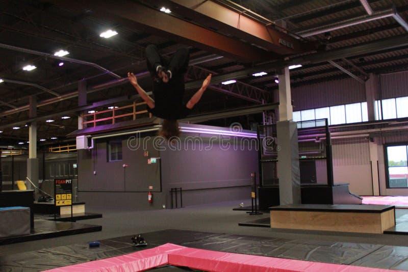 Boy2 de salto fotografía de archivo libre de regalías