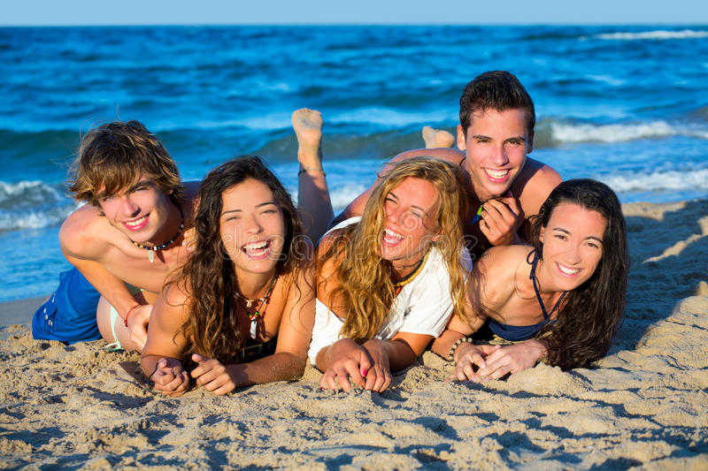 Download Boys And Girls Group Having Fun On The Beach Stock Image - Image: 33308199