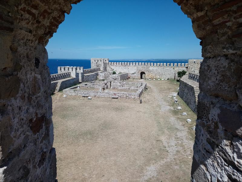 Bozcaada& x28; tenedos& x29; kasteel stock afbeelding