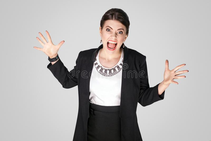 Boze vrouwenschreeuw en schreeuw stock fotografie