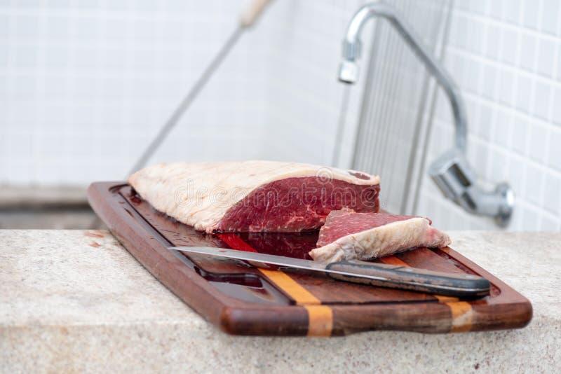 Bqq crudo e carne del grasso del sale fotografia stock libera da diritti