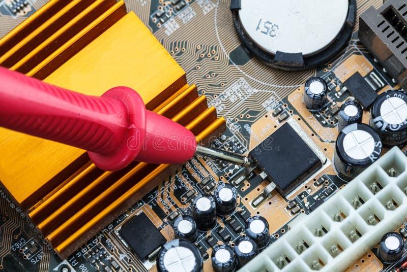 Bräde för elektronisk strömkrets med processorn arkivbilder