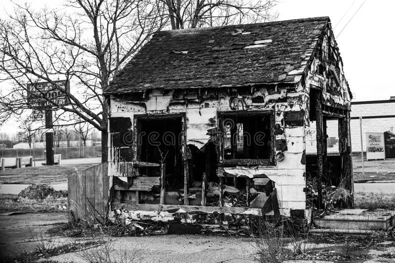Bränd byggnad i flinta michigan arkivbild
