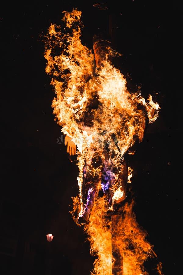 Bränna av konungdockan i Fermo, Italien arkivfoto