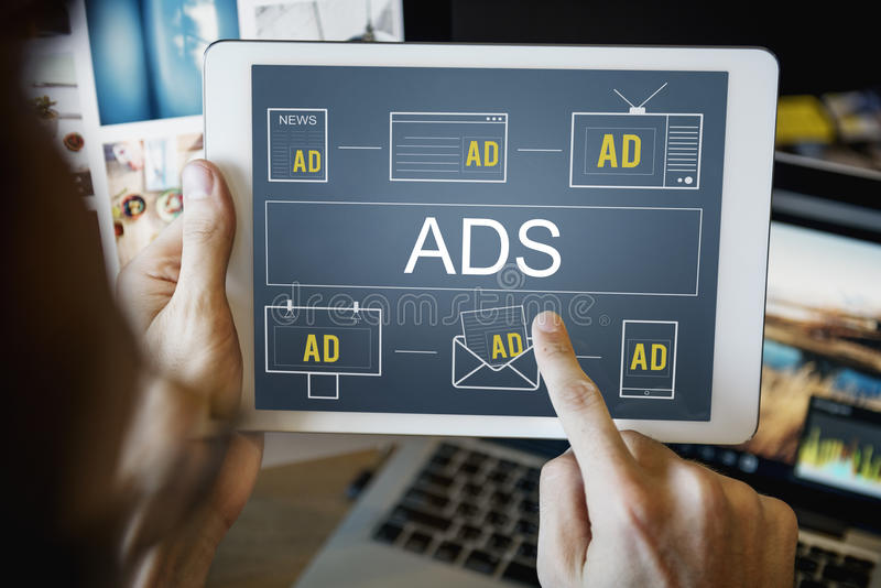 Brännmärka för advertizing för marknadsföring för annonseringANNONSER som kommersiellt är conc royaltyfri bild