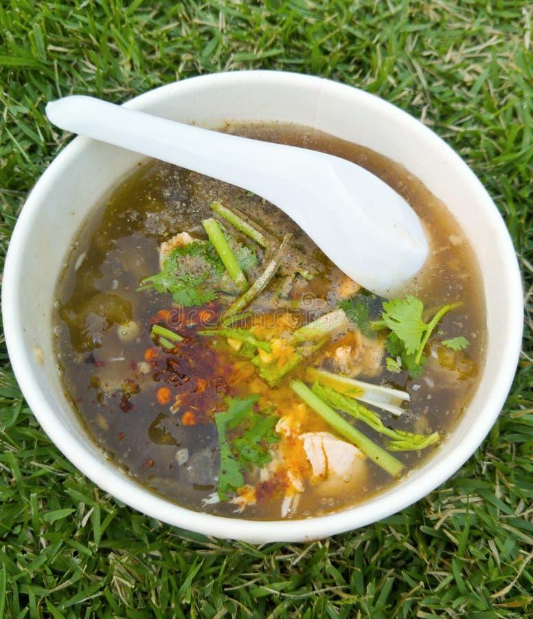 Bräserad fiskmaw med recept för feg soppa arkivbild