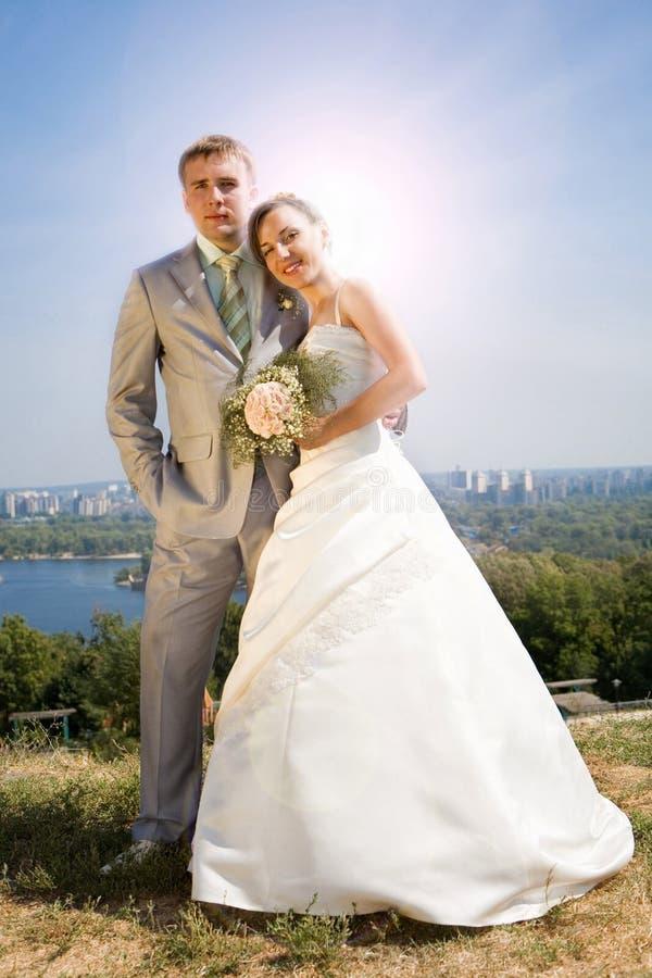 Bräutigam und die Braut stockbilder