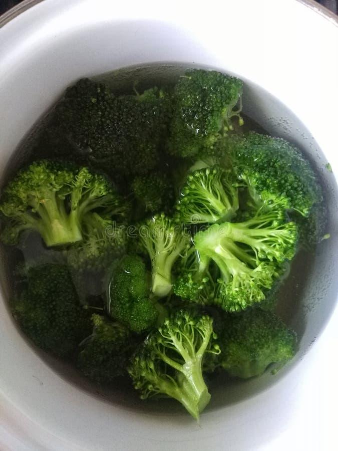 Brócolis verdes deliciosos fotos de stock