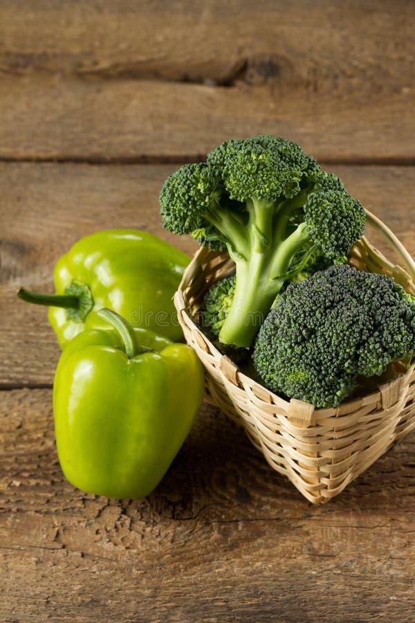 Download Brócolos imagem de stock. Imagem de fundo, alimento, bróculos - 29840677