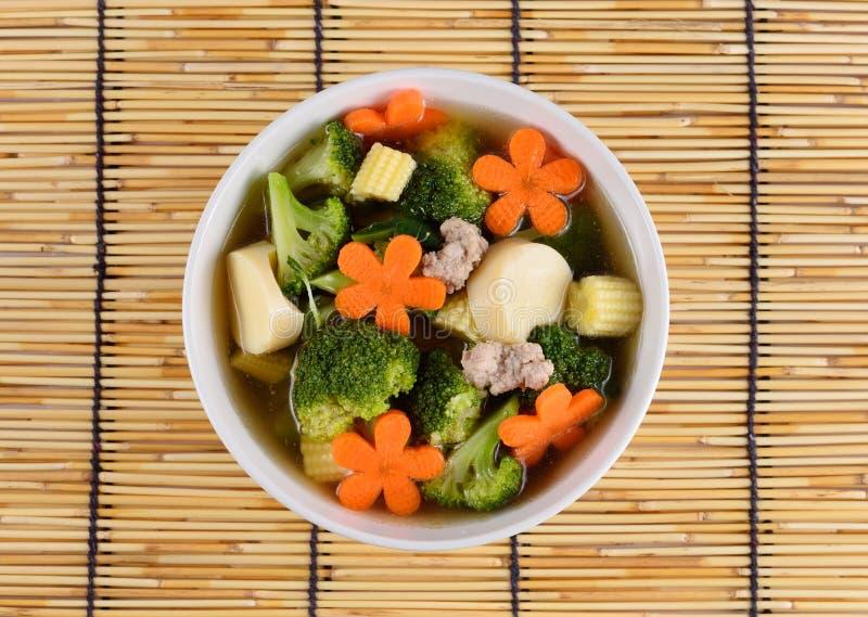 Bróculi y cerdo hervidos comida sana tailandesa imagen de archivo
