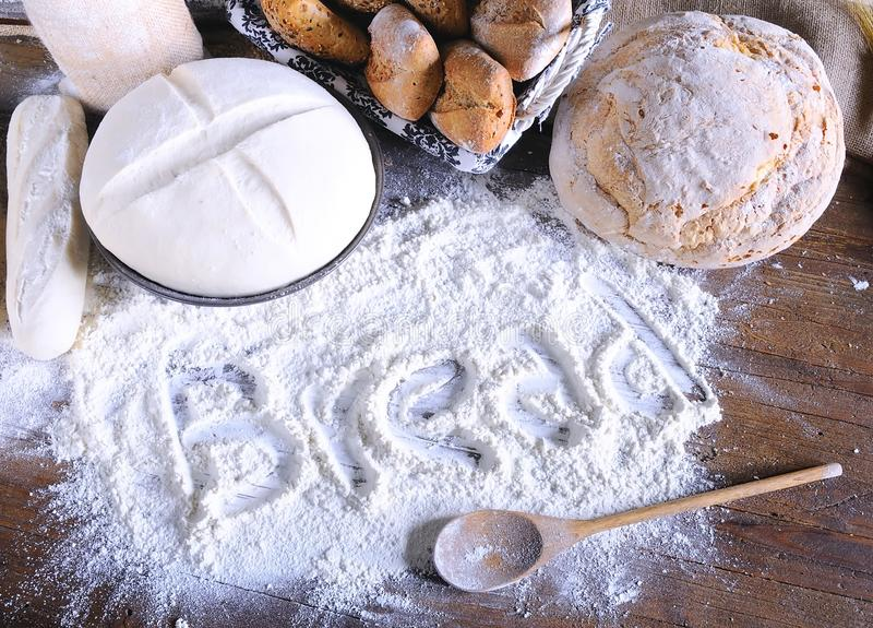 Download Bröd. fotografering för bildbyråer. Bild av avbrottet - 37349791