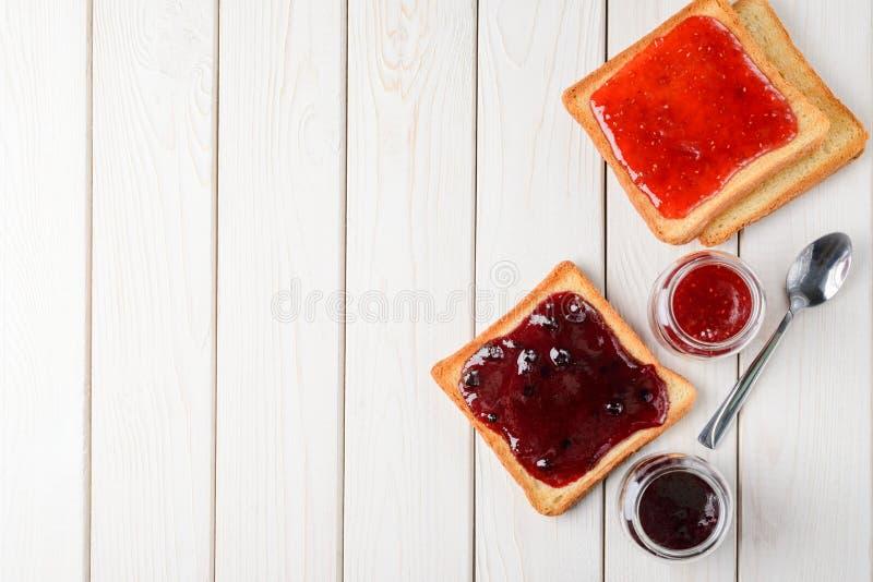 Bröd med hemlagat driftstopp royaltyfria bilder