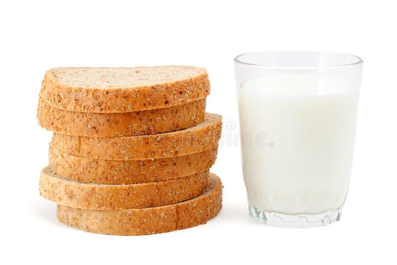bröd mjölkar fotografering för bildbyråer