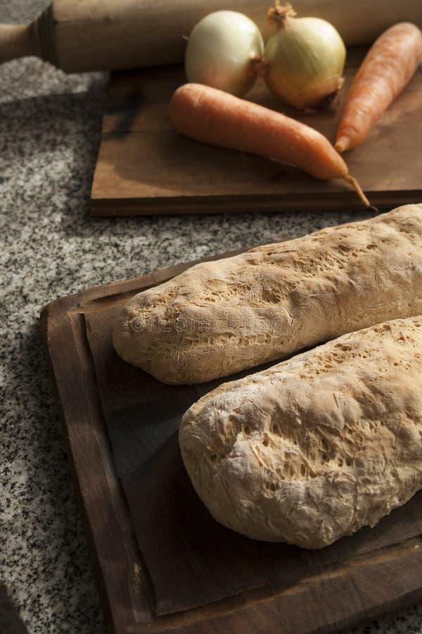 Bröd och grönsaker arkivfoto
